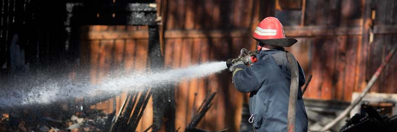 Fire fighter with water hose